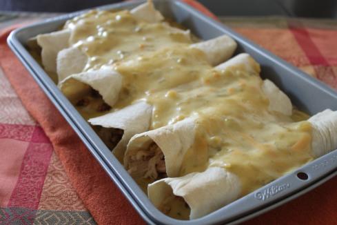 FS -- Creamy Chicken Enchiladas 028