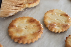 Homemade Ritz Crackers (11)