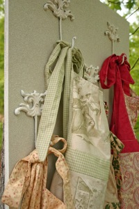 apron hanger